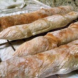 A few demi baguettes
